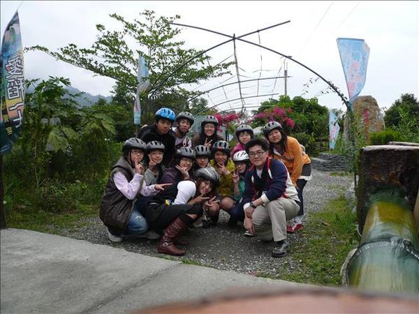 腳踏車之旅的小合照.jpg