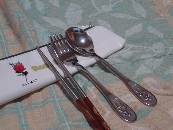內含筷子叉子湯匙.JPG