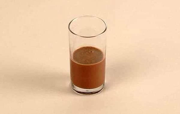 100卡路里巧克力奶昔