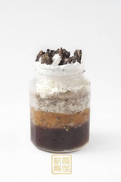 飲食散步的100卡路里巧克力脆片冰沙