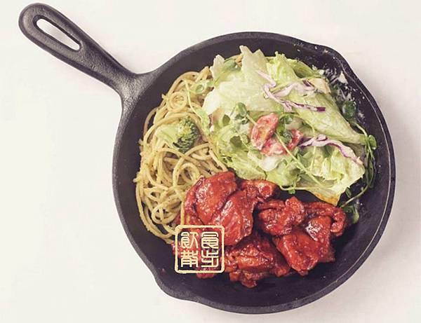 左宗棠雞青醬麵