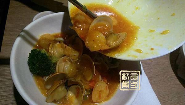 蟹粉蛤蠣麵