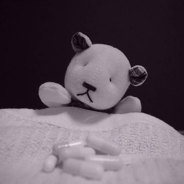 安眠藥便宜又安全,吃一輩子也沒問題?!