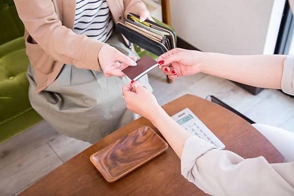 銀行賺很大!千萬別動用信用卡「循環利息」
