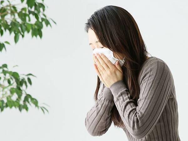 奇怪,感冒好了之後,我就一直頭痛耶!