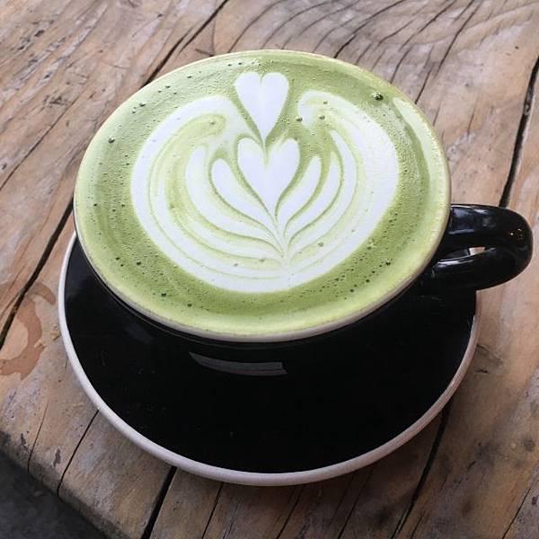 我喜歡在午後來一杯濃濃綿綿的綠色飲品「抹茶拿鐵」