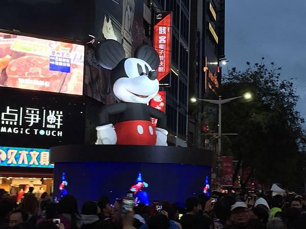 台北燈節2019搶先看,晚上版-奇趣大禮FUN米奇