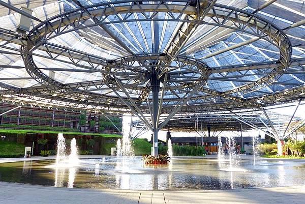 【屏東玩水景點(免費)】💦六堆客家文化園區-噴泉廣場舞台
