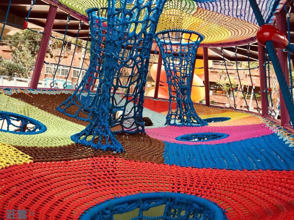 樹林東昇公園 彩色立體攀爬網