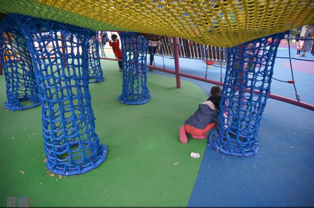 樹林東昇公園 彩色立體攀爬網~共有三層
