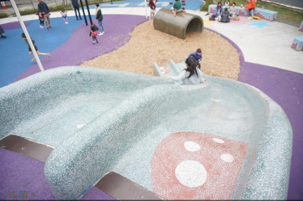 樹林東昇公園,超長六米七的磨石子滑道~