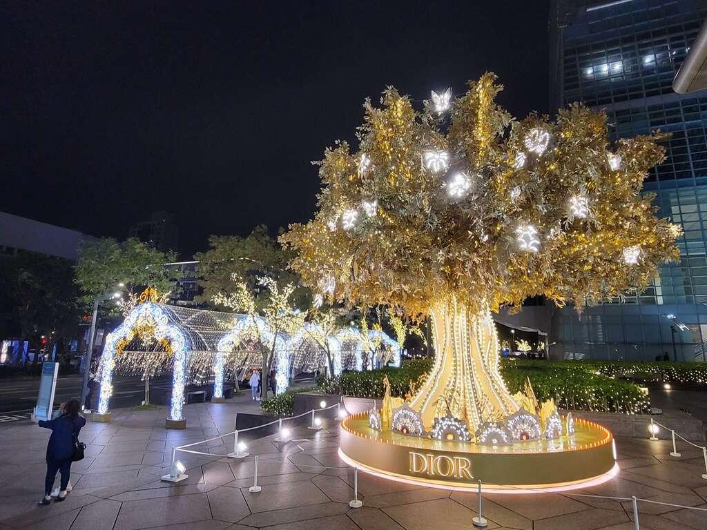 溫暖之光-X%5Cmas Tree.jpg