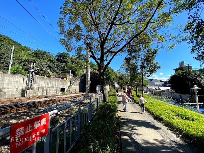 山佳鐵道地景公園 (6).jpg
