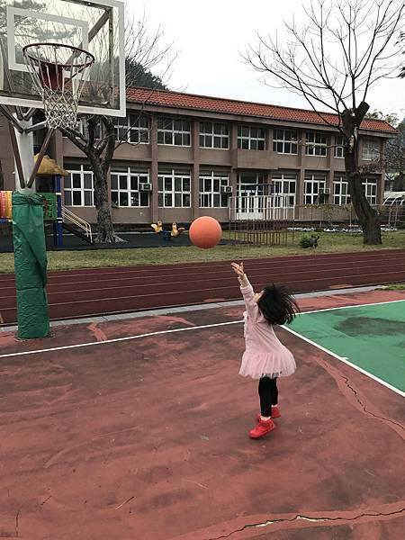 奇蜜育兒報3Y2m戶外運動 (3).jpg