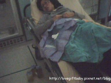 2011.01.17早上出院晚上又急診抽腹水(腹水是黃的才正常)