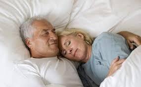 老人睡著.jpg