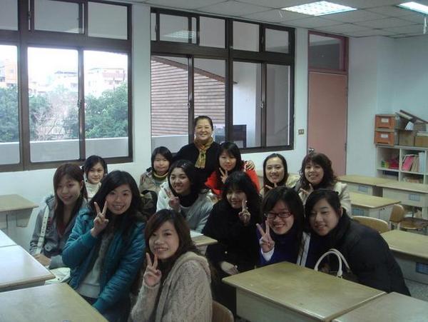 哈哈...久違的教室.JPG
