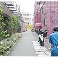 要回去前,我們從飯店旁的小巷去散步...