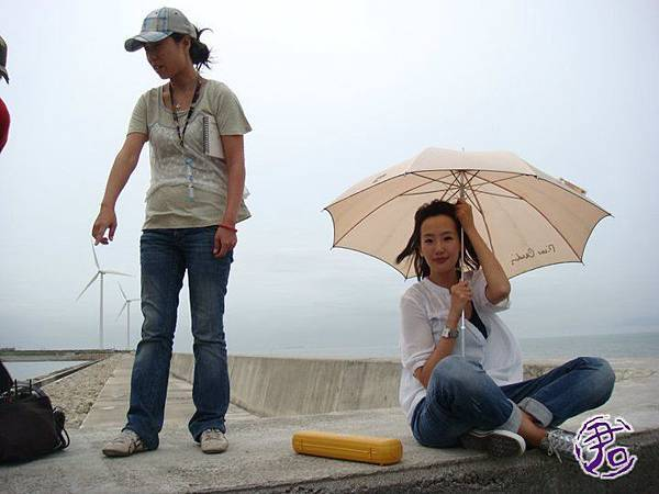 防撥提上拍攝,那天是強颱登陸!