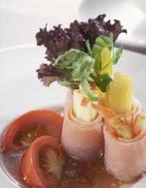 f_salad_salmon.jpg