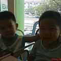 弟弟和侄儿