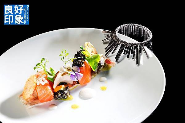 Cured salmon with beluga and snail caviar.jpg