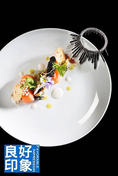Cured Salmon with Beluga Caviar and White Snail Caviar_V.jpg