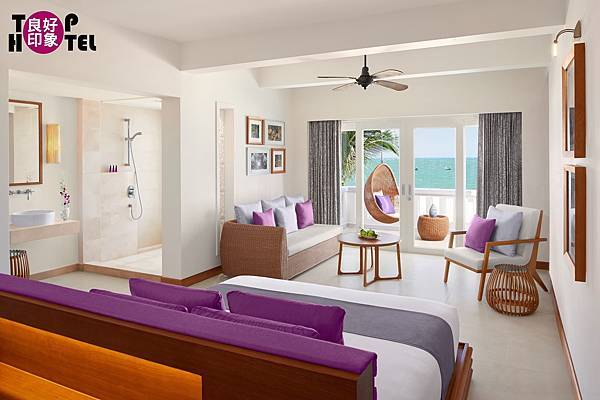 AVANI Quy Nhon Junior Suite Seaview.jpg