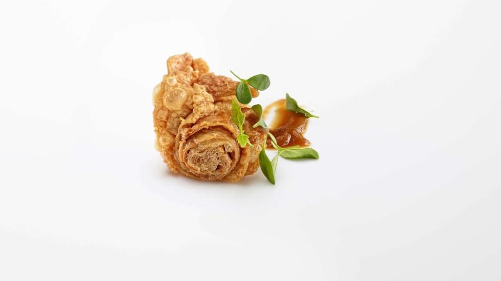 04 雞皮千層酥、烤蒜醬與酸模.jpg