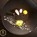 alinea+dishes-9821-3097691494-O_700Res.jpg
