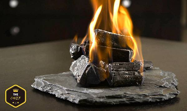 alinea+dishes-3097691471-O_700Res.jpg