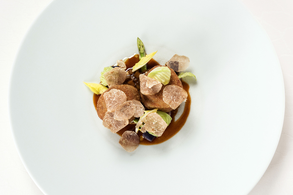 Fassone Veal Tenderloin- Confit salsify, Mushroom, Aromatic cheese and Alba white truffle_ 1m.JPG