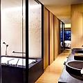 Luxury_Bathroom.jpg