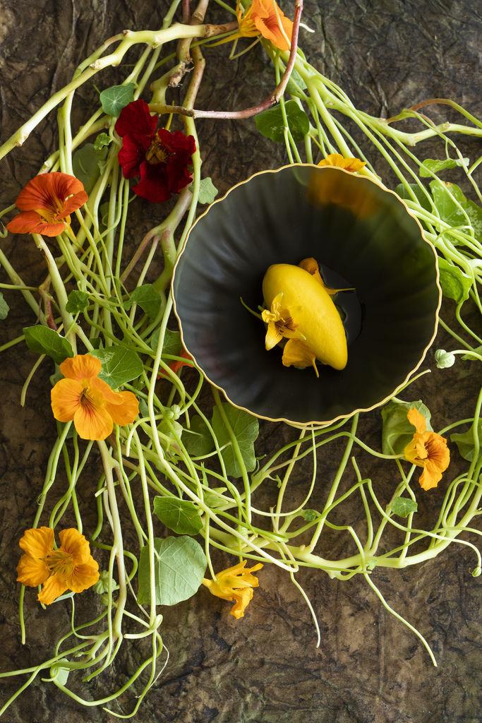 Capucine: Mirazur Flowers Universe @matteoCarassale.jpg