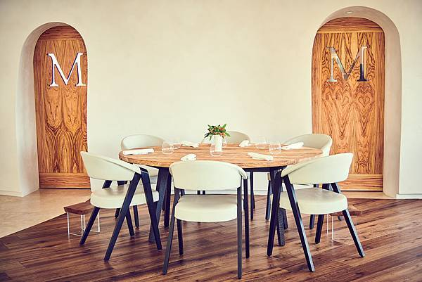 Mirazur Dining Room @Nicolas Lobbestael.jpg