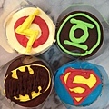 超人LOGO系列杯子蛋糕