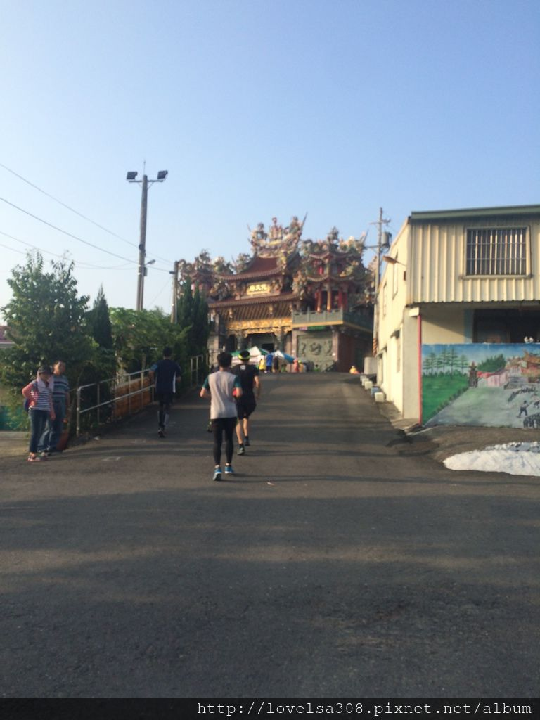 May 10, 2015 第一屆關廟路跑-想要吃補給,就要先爬上坡