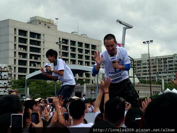 October 20, 2013 SAMSUNG三星公益路跑