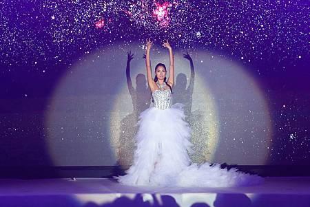 2015資生堂年度彩粧秀-躍動三部曲-王麗雅-美麗無國界01