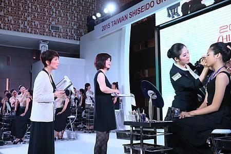 資生堂美容總監西島悅,台灣資生堂美容部孫麗捐經理評分