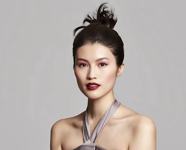 時尚色繪山本耀司玩色聯名彩盤-何穗示範魅力花香
