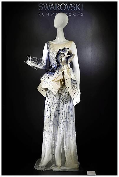 施華洛世奇以水晶切割技術跨界時尚圈,為時尚增添水晶光芒!