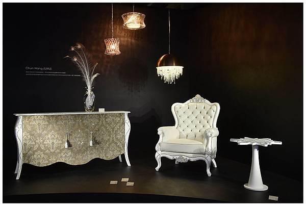 施華洛世奇攜手生活精品品牌打造居家水晶展品,橫跨君旺水晶燈飾、活瓷精品CASABELLA與家福家具,讓施華洛世奇為人們每天的生活增添光彩!