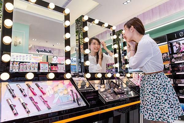 康是美彩妝體驗櫃導入後帶動彩妝業績成長20%