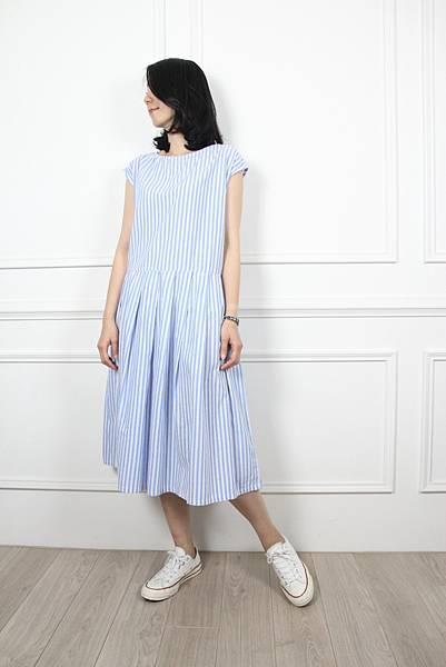 70602.清新直線條紋洋裝 藍 $1280