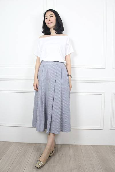 70622.直條紋摺痕裙 藍 $1880