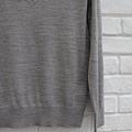 71001.薄羊毛V領柔感針織上衣 灰 $1280