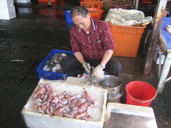 39阿伯的魚攤.jpg