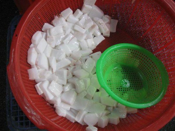 71被我誤以為是杏仁豆腐的曼波魚塊.jpg