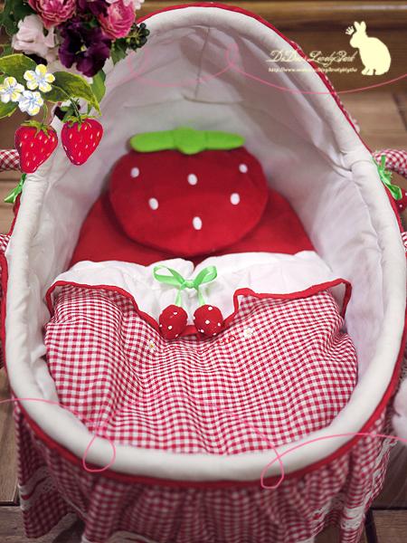 20121218草莓睡床-05